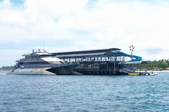 kapal quicksilver dan waterslide