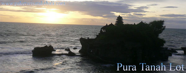 sunset di pura uluwatu
